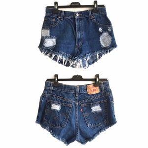 LEVI's Vintage High Rise Denim Shorts Destroyed 27